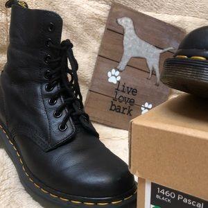 Dr Martens 1460 Pascal Virginia black boots